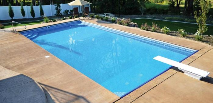 swimming pools with Vinyl material